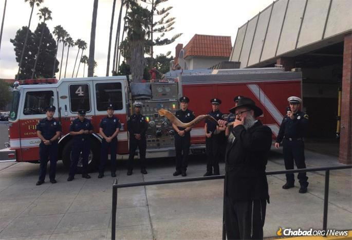 File photo of Rabbi Isaac Levitansky, director of Chabad of S. Monica, Calif., blowing shofar.