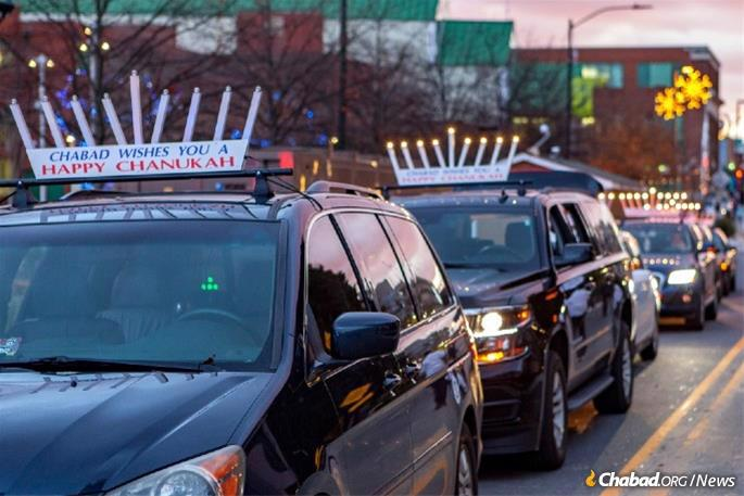 Last year, an estimated 5,000 car-top menorahs hit roads all over the world. This year, the numbers are expected to rise exponentially as synagogues and community centers capitalize on the menorah parade. (Photo: Ivan Cutler)
