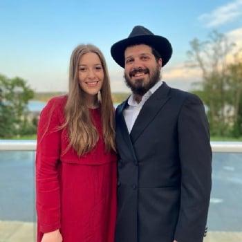 Meet the Rabbi Shneur & Esther Wolfman