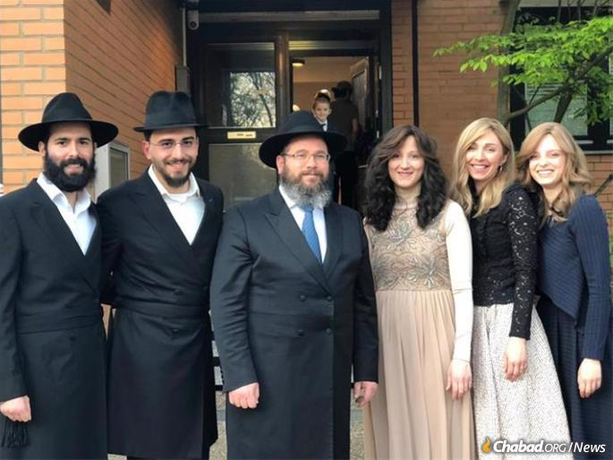 Rabbi Binyamin and Shterna Wolff at a family event in January 2020.