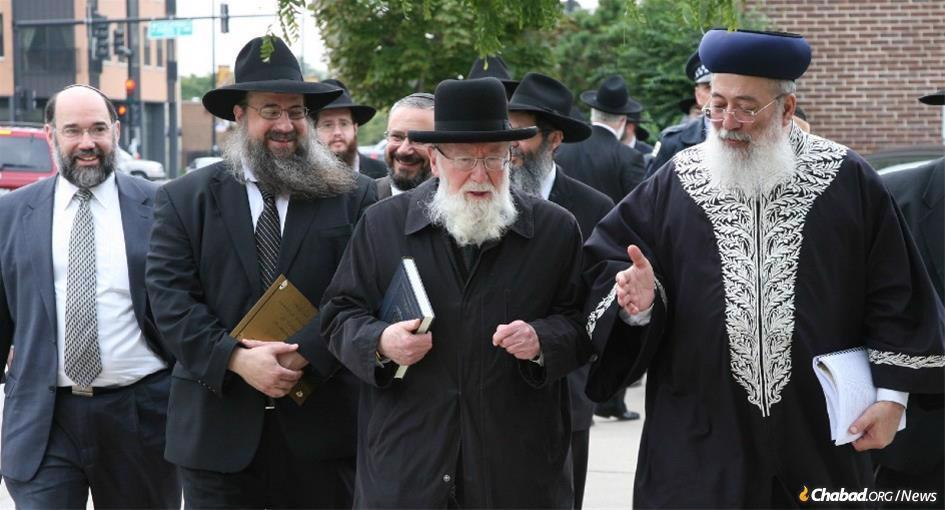 Rabbi Gedaliah Dov Schwartz, center, flanked by (from left) Rabbi Leonard Matanky, Rabbi Daniel Moscowitz and Rabbi Shlomo Amar, former Sephardi Chief Rabbi of Israel (Photo courtesy of the Moscowitz Family Archive)