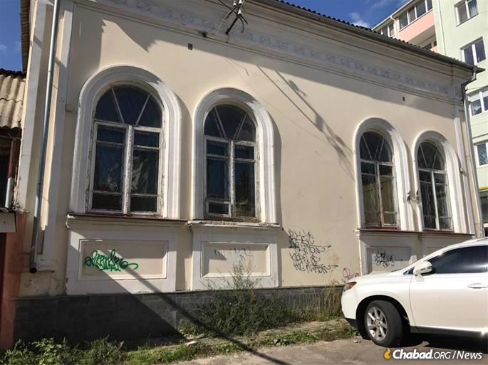 The rabbi is working on carefully restoring the building to its former glory. Efforts have already begun on strengthening its foundations, and he is now focusing on raising the funds necessary for a full restoration.