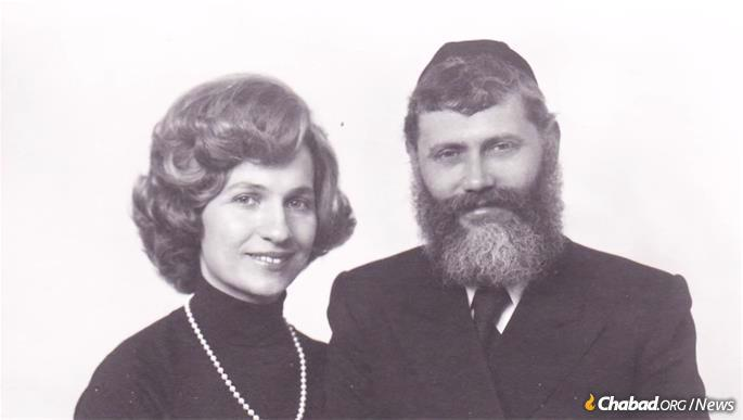 Together, the Gareliks became the archetypical Chabad emissary couple paving the way for future generations.