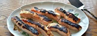 Passover Lemony-Onion Broiled Salmon