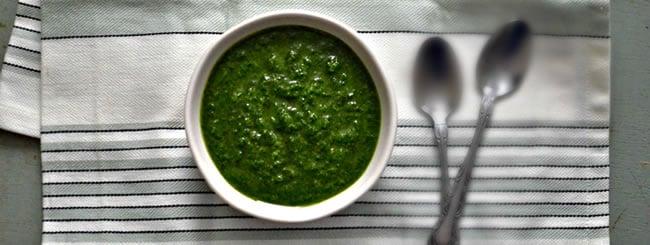 How to Make Sparlic (Parsley-Garlic Sauce)