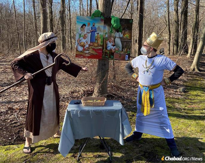 Jordan Goldberg plays the Egyptian Pharaoh while Mendel Kaplan plays Moses at this year's Ultimate Passover Experience in Franklin Lakes, N.J. (Credit: Chabad of NW Bergen County)