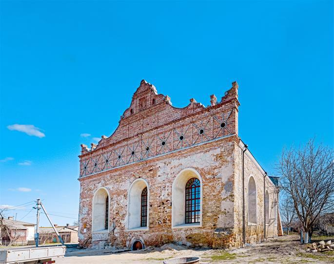 The synagogue of the Maharsha, as it can be seen today, in Ostroh (photo:wiki).