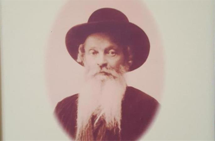 Rabino Shlomo Yehudah Leib Eliezerov foi um dos primeiros emissários Chabad na Ásia Central.