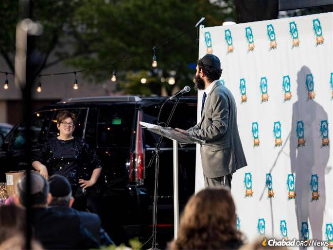 Rabbi Yochanan and Yona Posner are co-directors of Skokie CTeen. (Photo: Ryan Owen)
