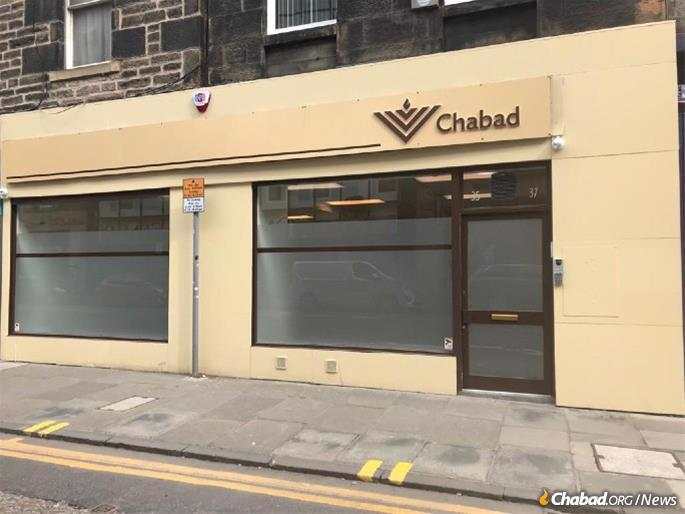 Chabad's new building is near the Royal Mile, the gently sloping route from Edinburgh Castle to Holyrood Palace in Edinburgh's city center.