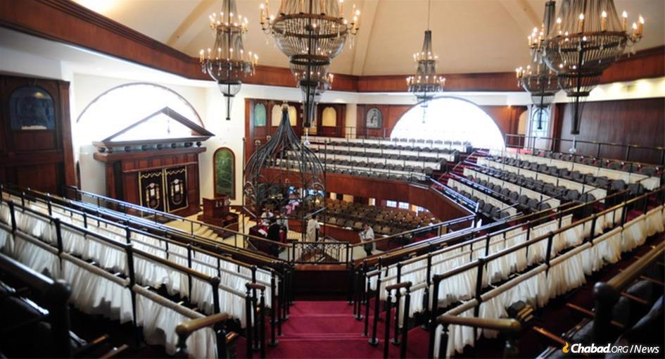 A special prayer service was held on Sunday in the main sanctuary of The Shul of Bal Harbour, which has been a focal point for assistance of every kind during the criris. (File photo: The Shul of Bal Harbour)