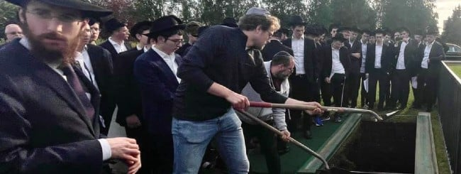 July 2021: 100 Strangers Attend Jewish Burial for Man From Tiny Alaskan City