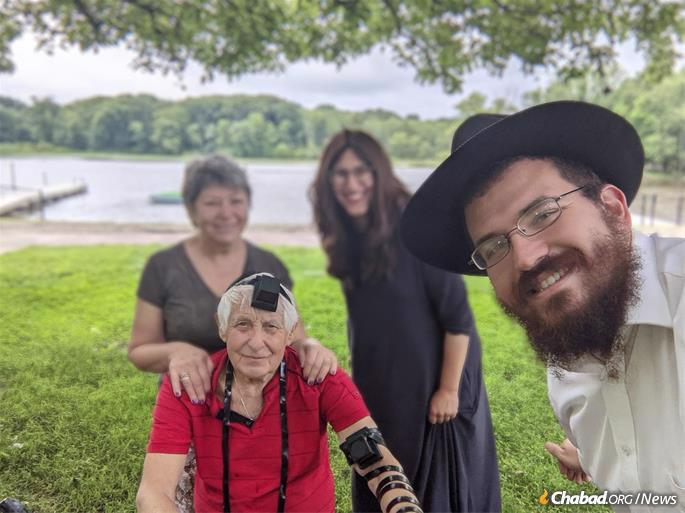 Boris and Ranya Wasserman with Rabbi Mordechai and Chana Rubin