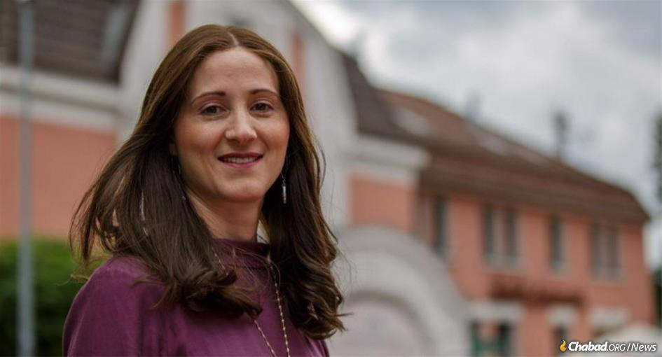 """Shterna Wolff, director of Chabad of Hanover, Germany, was featured by an influential German magazine as its """"Person of the Week."""""""