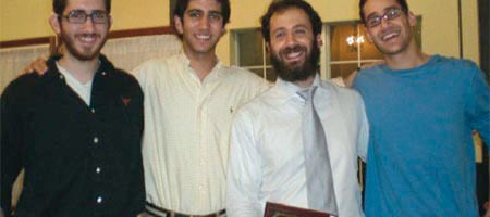 Rabbi Zev Johnson with students at the University of Texas