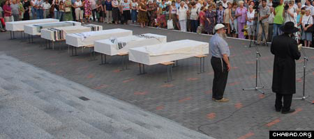 Holocaust victims' remains are reburied in Kharkov, Ukraine.