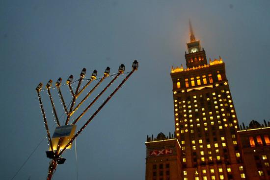 Warsaw, Poland - Publicizing the Chanukah Miracle