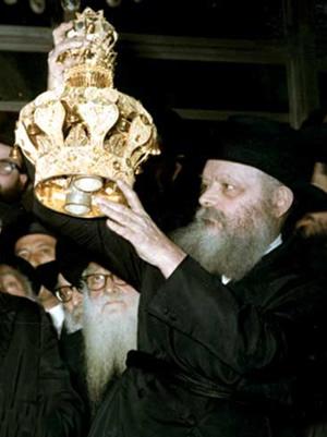 """Lors de l'inauguration du """"Sefer Torah de Machia'h"""" le 10 Chevat 5730 (1970), dont l'écriture avait été entamée à l'initiative du Rabbi précédent"""