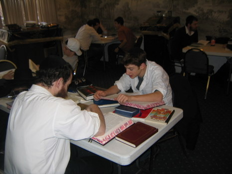 Bais Menachem one on one learning.JPG