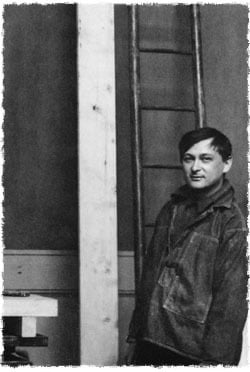 Jacques Lipchitz dans son atelier parisien à l'âge de vingt ans