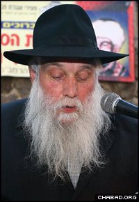 Rabbi Yossie Raichik, who helped rescue thousands of children from the dangers of radioactive fallout, passed away Sunday.