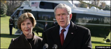 U.S. President George W. Bush and Laura Bush extend thier condolences from the South Lawn of the White House. (Photo: White House/Joyce N. Boghosian)