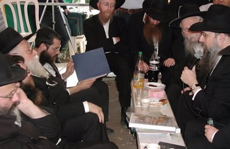 At the families of Gabi and Rivki Holtzberg
