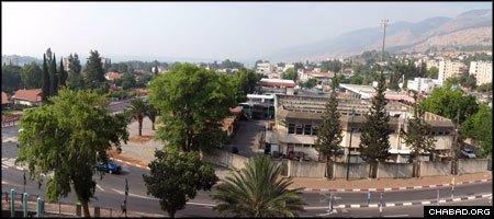 Three Katyusha rockets fell on the northern Israel city of Kiryat Shemona on Wednesday. (File photo)