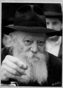 "Photo: Shlomo Vishinsky   Courtesy Zev Markowitz / <a href=""/5234467"" target=""_blank"">Chai Art Gallery</a>"