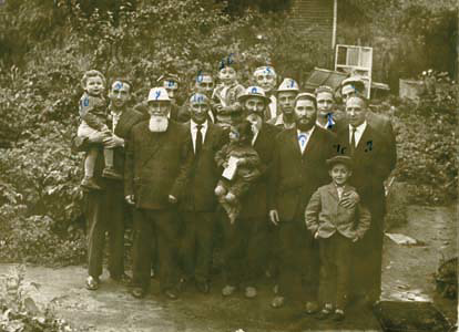 A group of underground teachers in Russia. The photo was smuggled out of Russia to be sent to the Rebbe