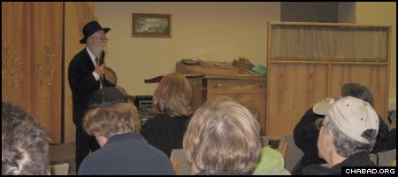 Vietnam veteran Zvi Webb speaks about his spiritual awakening 40 years ago during a presentation at Chabad of Upper Montgomery County in Gaithersburg, Md.