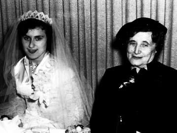 Rebbetzin Chana at wedding.jpg