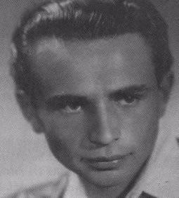 Zvi Farbenblum (Sam Moss), as a young man after the War.
