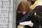 Jewish Community Leaders Visit Resting Places of Rebbe and Rebbetzin