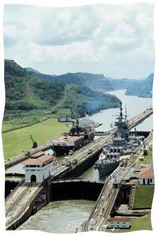 Navires empruntant le canal de Panama