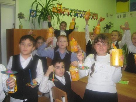 school-chanukah2.jpg
