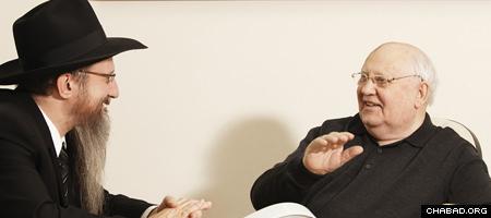 Russian Chief Rabbi Berel Lazar talks with Mikhail Gorbachev.