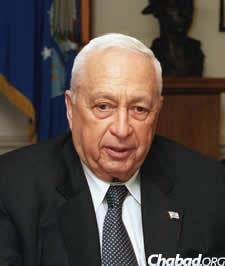 Ariel Sharon, prime minister of Israel, during a defense meeting at the Pentagon. (Photo: Helene C. Stikkel, U.S. DOD/Wikipedia Commons)