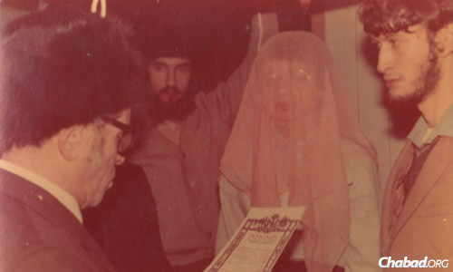 Reading the ketuba at the marriage of a refusenik couple in Soviet Russia.