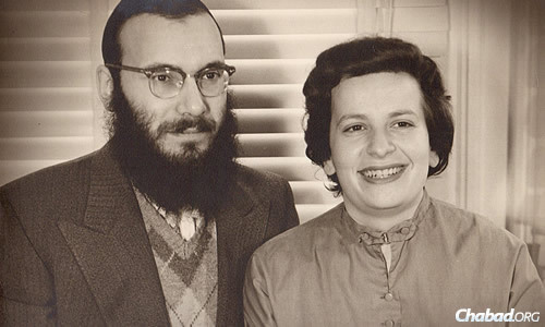 Rabbi Dovid and Leah Edelman in 1950, two years after they were married.