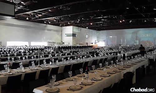The tables were set and ready for 2,226 people to be seated and served their first course of a Shabbat meal within five minutes of each other.