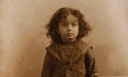 Le Rabbi photographié dans sa petite enfance, Nissan 1904. Crédit photo: JEM.