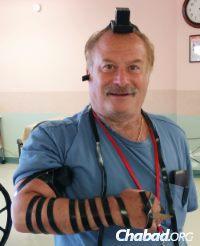 "Eugene Sadowsky, 70, in Queens, N.Y., ""lends his arm for Israel."""