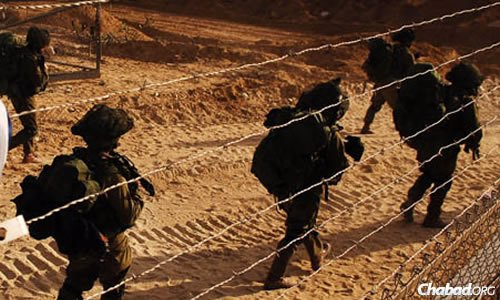 The first Israeli to be killed by Hamas rockets was at the Erez border crossing offering assistance to IDF soldiers. (File photo: IDF)
