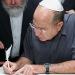 שר הביטחון כתב אות בספר התורה לזכות חיילי צה