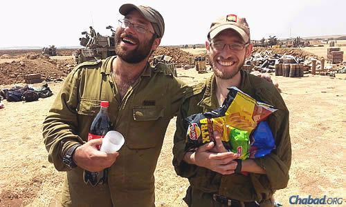 Cold drinks and snack foods bring relief to the Israel Defense Forces.