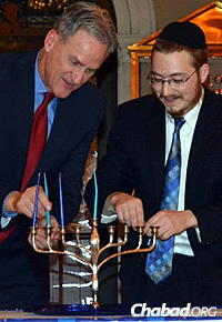 The pair also spent Chanukah in the Mount Rushmore state, hosting celebrations in four cities, including one in the State Capitol in Pierre with Gov. Dennis M. Daugaard.