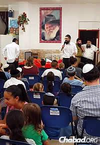 In the hard-hit city of Sederot, the Canadians, with the help of the local Chabad network, held a pizza party for kids to relieve their stress.