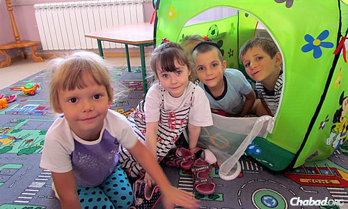 Despite the fragile situation in southeastern Ukraine, the rabbi is working to provide services to the community. The day camp recently ended, and he is preparing for the upcoming school year.