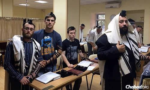 The minyan in Mariupol takes place three times a day, and Torah classes are going on as usual.